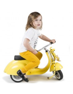 Scooter Vespa Amarilla